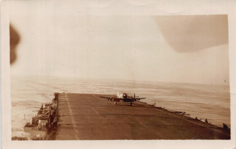 Mum'sPhotos_466Sea_Fury_LandingonFlightDeck_Jan1951
